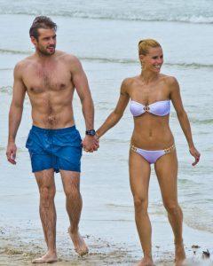Michelle Hunziker nackt mit durchsichtigem Bikini